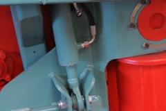 DE SERIE Réglage en hauteur de la coupe rotative par 2 vérins hydrauliques